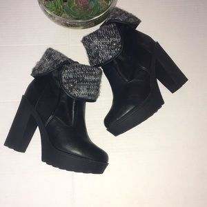 FashionBlack boots